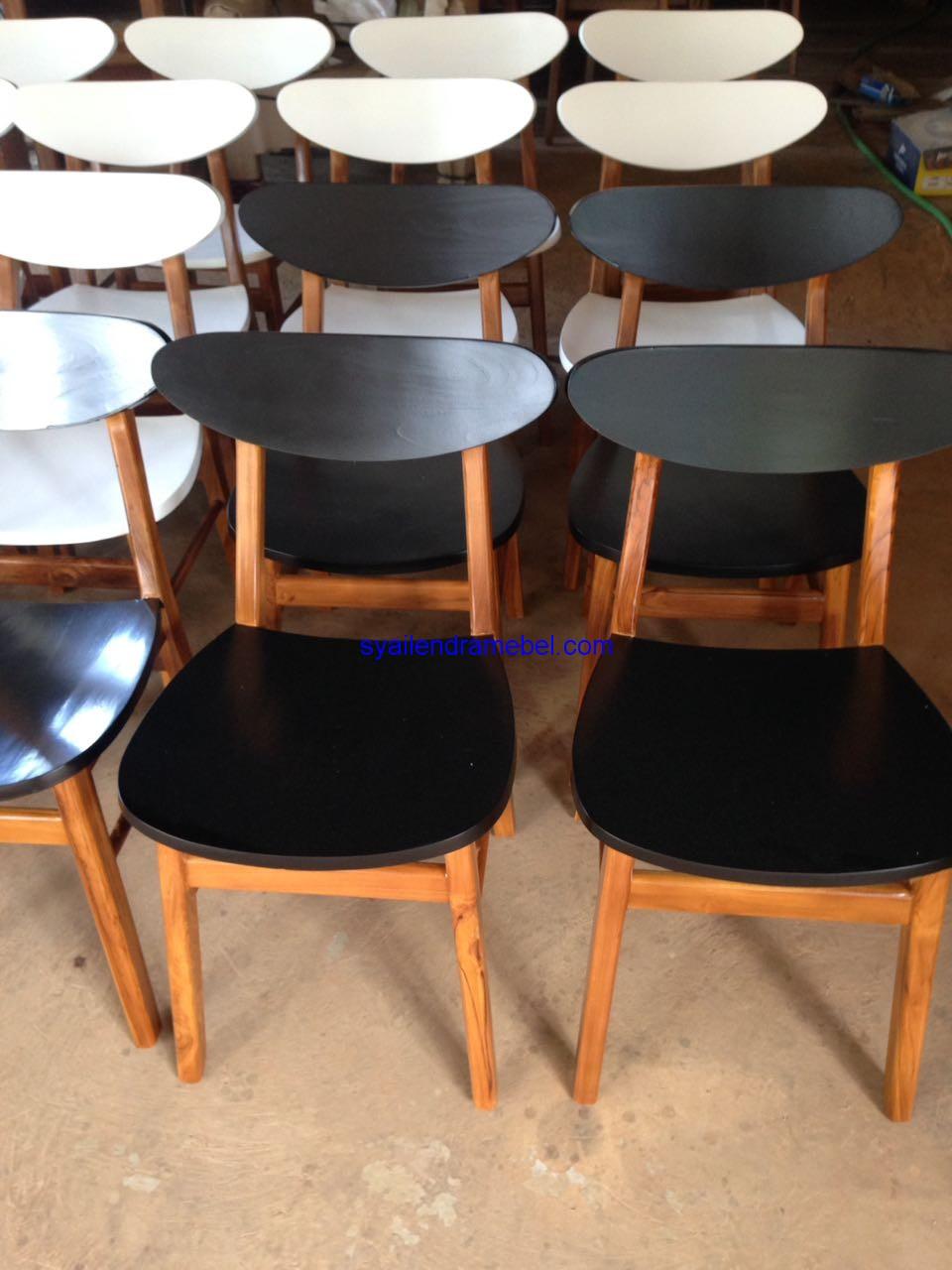 Kursi Cafe Minimalis Syailendra,kursi bar,kursi bar kayu,kursi bar minimalis,kursi bar stool,gambar kursi bar,set kursi cafe,kursi tiffany, set meja kursi cafe,jual kursi set cafe,harga set kursi cafe,kursi cafe,kursi cafe kayu,furniture kursi cafe,gambar kursi cafe,kursi meja cafe,kursi makan, meja kursi makan,meja makan,set kursi makan,meja makan minimalis,meja kursi makan terbaru,mebel jepara,furniture jepara,kursi cafe minimalis,