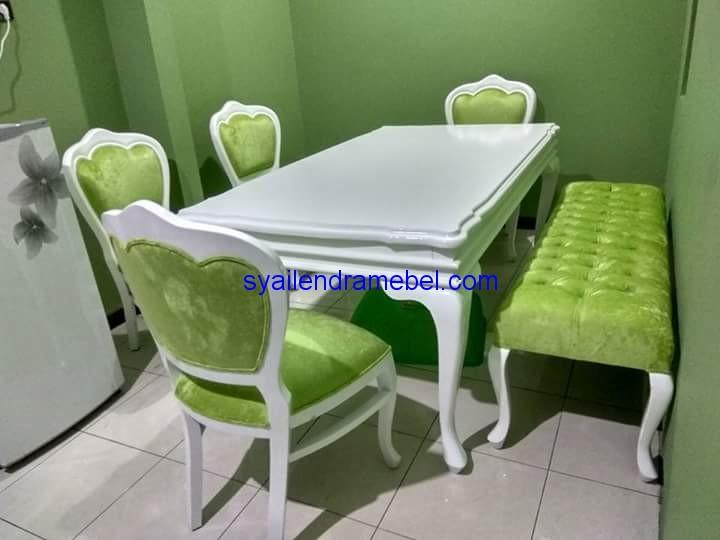Kursi Meja Makan Cat Putih,Set Meja Makan Ukir Jepara,meja makan,meja makan minimalis,meja makan jati,meja makan kayu,meja kursi makan,meja kursi makan minimalis, meja kursi makan murah,meja kursi makan lipat,set kursi makan,kursi meja makan,kursi meja makan kayu,kursi makan,kursi cafe,set meja makan, kursi meja makan jati,kursi meja makan cafe,mebel jepara,furniture jepara,kursi meja makan lipat,kursi meja makan murah,furniture garden,