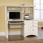 Meja Kerja Komputer Putih Mewah