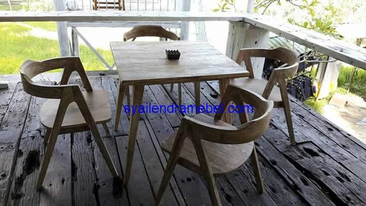 Kursi Cafe Minimalis Vintage,kursi bar,kursi bar kayu,kursi bar minimalis,kursi bar stool,gambar kursi bar,set kursi cafe,kursi tiffany, set meja kursi cafe,jual kursi set cafe,harga set kursi cafe,kursi cafe,kursi cafe kayu,furniture kursi cafe,gambar kursi cafe,kursi meja cafe,kursi makan, meja kursi makan,meja makan,set kursi makan,meja makan minimalis,meja kursi makan terbaru,mebel jepara,furniture jepara,kursi cafe minimalis,