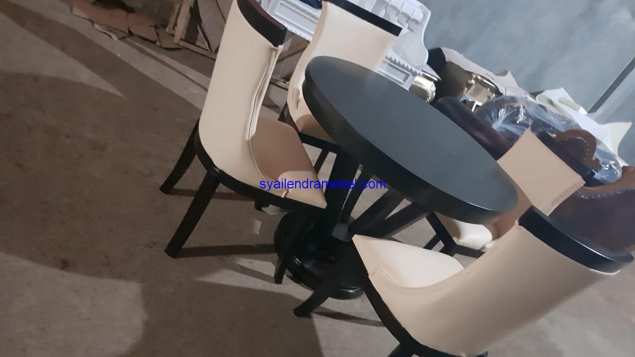 Set Kursi Makan Mewah Terbaru