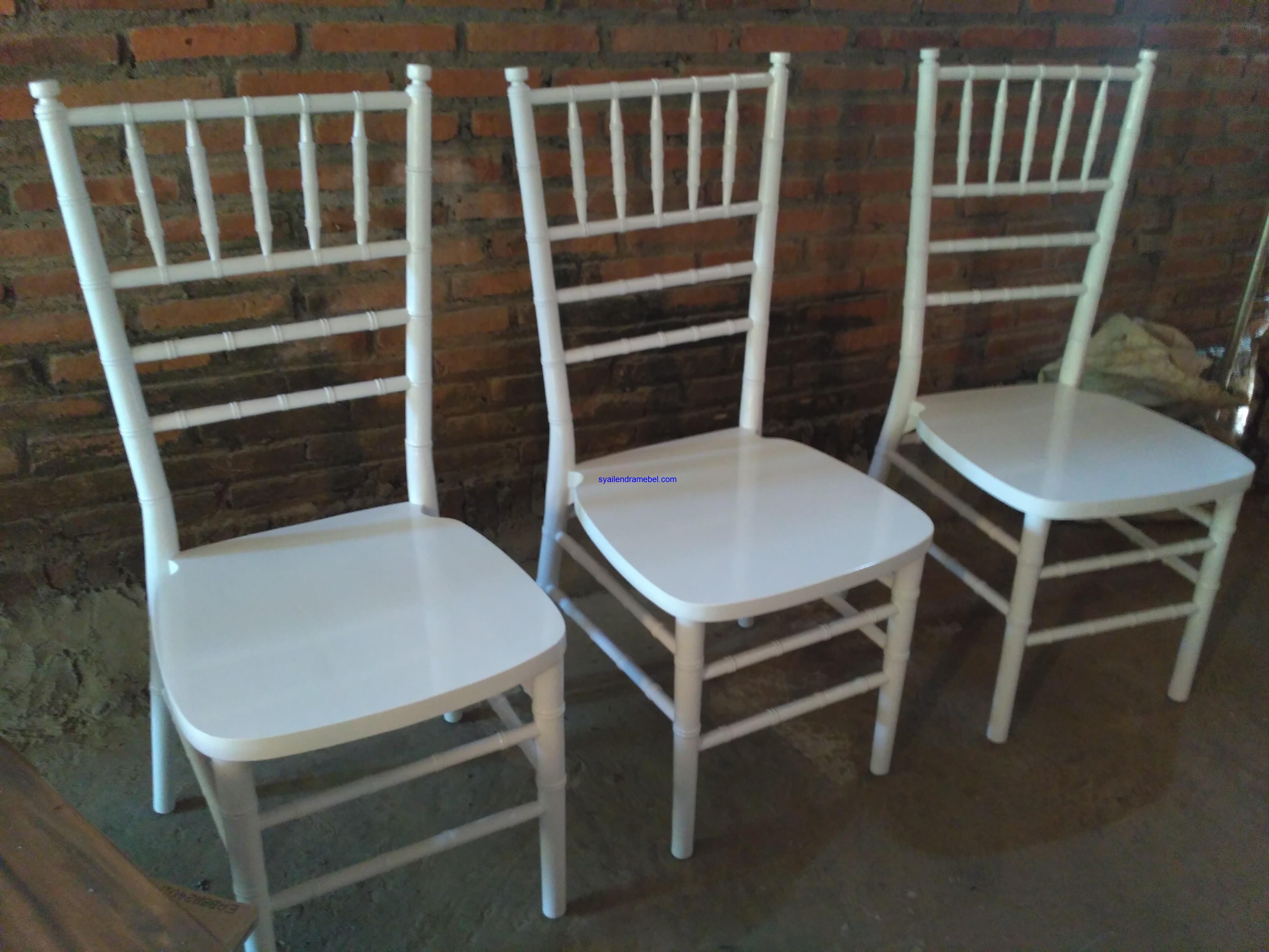 Kursi Tiffany Putih Decorasi
