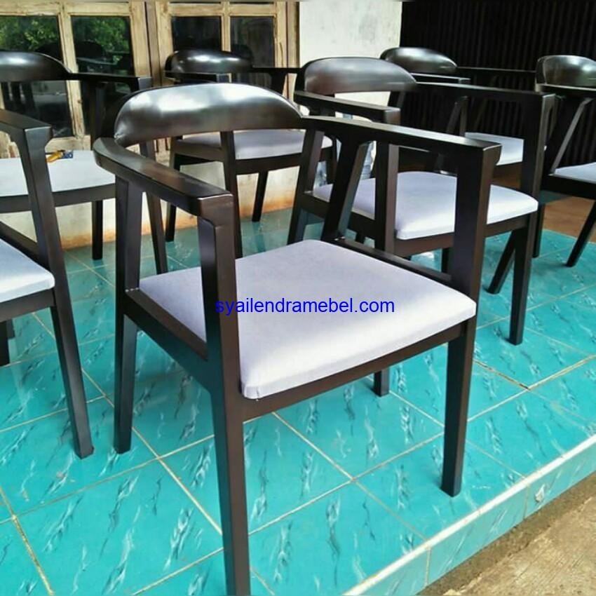 Kursi Cafe Jati Hotel