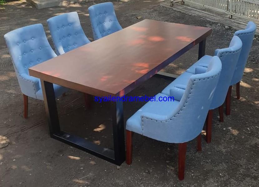 Meja Kursi Makan Mewah Terbaru