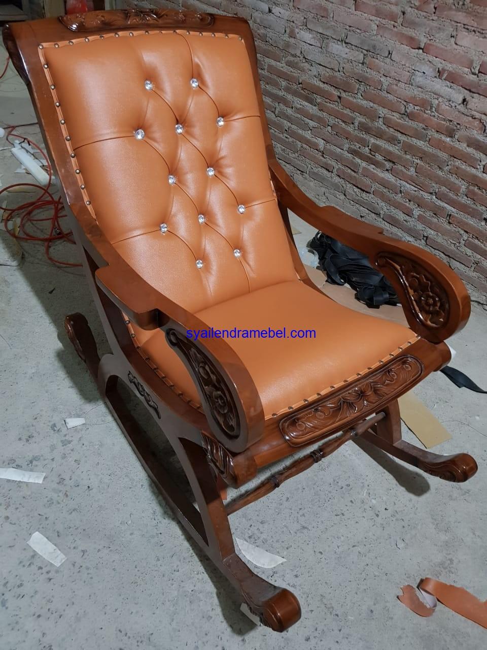 Sofa Santai Malas Goyang