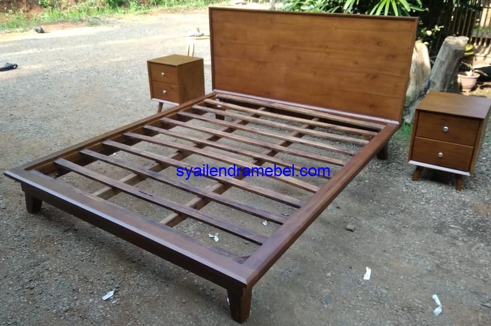Tempat Tidur Minimalis Retro